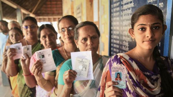 ஊரக உள்ளாட்சித் தேர்தல்- முதல் கட்ட வாக்குப் பதிவு அமைதியாக நிறைவு- சுமார் 60% வாக்குகள் பதிவு!
