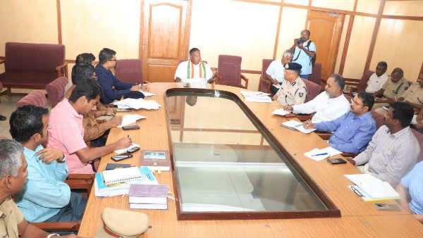 Chief Minister Narayanasamy meeting with officials on New Year celebrations