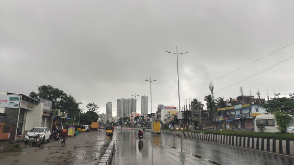 Moderate rain lashes in Chennai and Suburbs