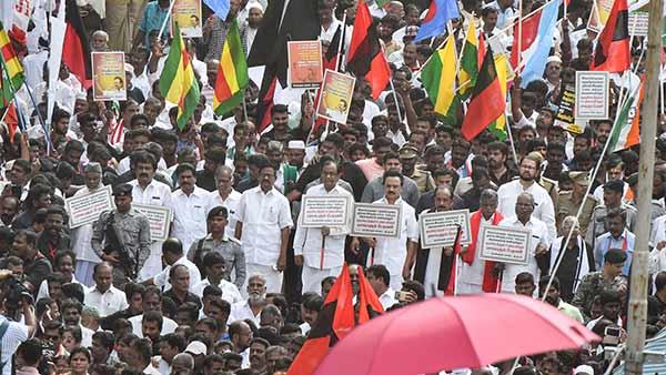 குடியுரிமை சட்ட திருத்த எதிர்ப்பு பேரணி: ஸ்டாலின் உட்பட 8,000 பேர் மீது போலீஸ் வழக்கு