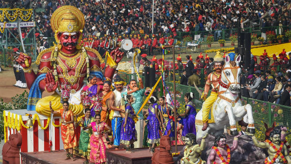 ayyanar Statue on delhi republic day celebration : Tamil Nadu showcases Gramiya kalai