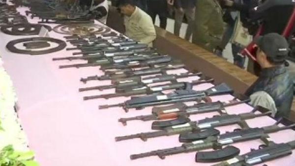அஸ்ஸாம்: 8 அமைப்புகளின் 644 தீவிரவாதிகள் சரண்- 177 துப்பாக்கிகள் பறிமுதல்