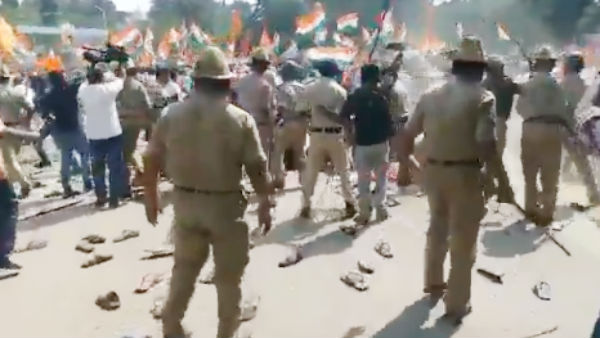 Police resorted to lathi-charge on Pro-CAA rally in Kolar