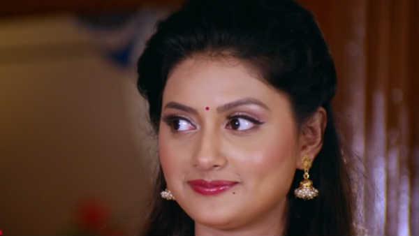 Rasaathi Serial: போஸ்டரில் நடிகர் விஜயகுமார் மிஸ்ஸிங்... பெங்காலி நடிகை சப்ஜானி!