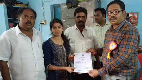 21 year old panchayat president sandhyarani says, I will not join the political party