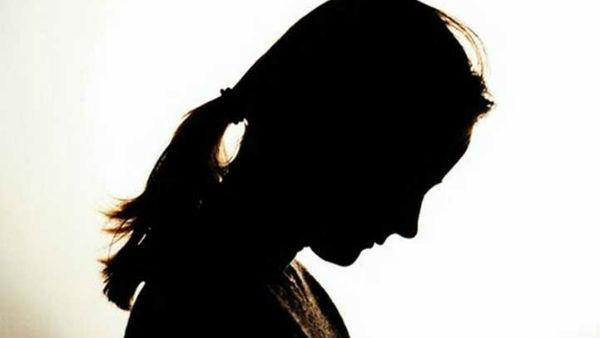 என்னை இங்கெல்லாம் தொட்டாரும்மா.. வாரத்துக்கு ஒருமுறை.. கதறிய மகள்.. பதறிய தாய்.. தலைமறைவான தந்தை!