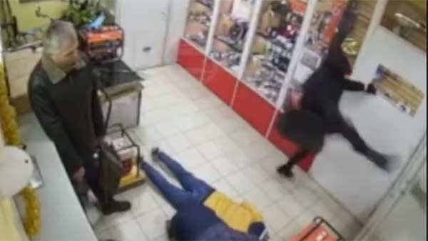 bungling-thief-snaps-leg-after-looking-to-kick-open-door-in-robbery