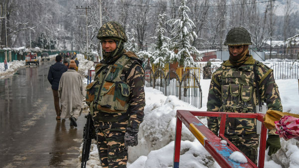 Jammu Kashmir: One Civilian dies after Militants fires at people in Pulwama