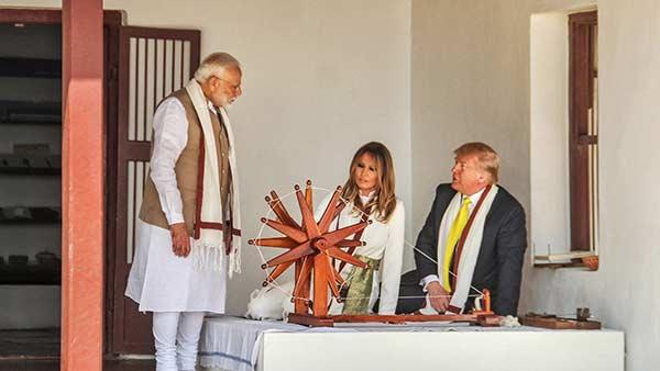 தாஜ்மஹால் பிரமிப்பானது சரி.. சபர்மதி ஆசிரமத்தில் காந்தி குறித்து டிரம்ப் குறிப்பிடாதது ஏன்?