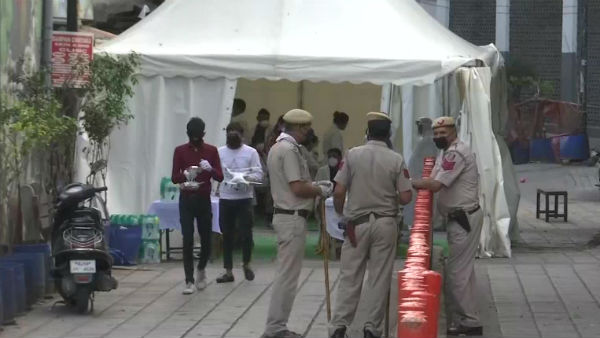 Delhi Police Cordon Off Nizamuddin Area as People Show Coronavirus Symptoms