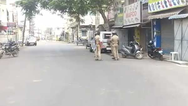 9 Streets locked due to coronavirus scare in Erode