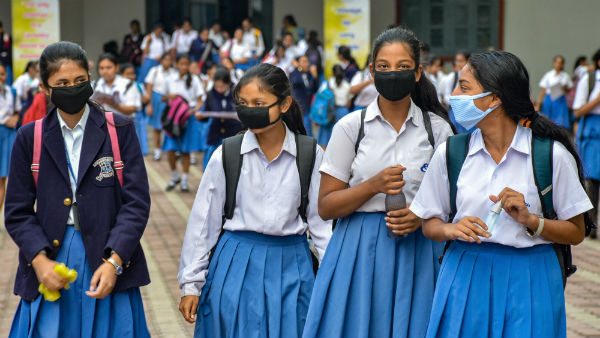 coronavirus out break: students will pass without writting exam in uttar pradesh