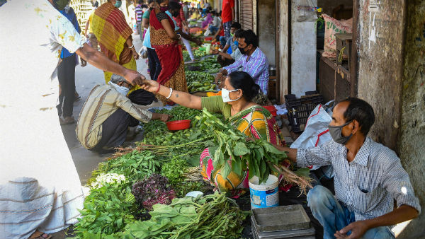 Theni ulavar santhai: people can buy 18 vegetables at just 150 rupees