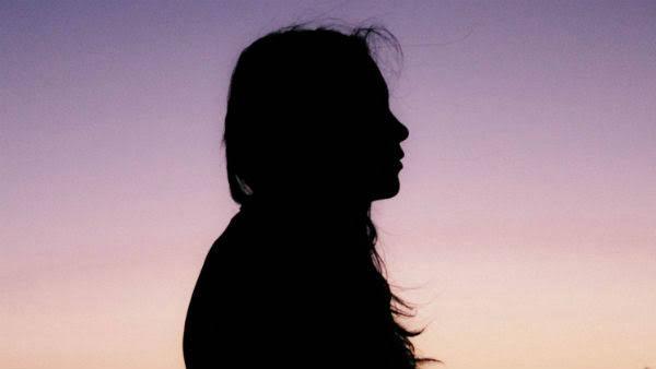 18 வயசு சாந்தா.. காருக்குள் வைத்து கடத்திய பூவரசன். Women12-1581680370-1584531262