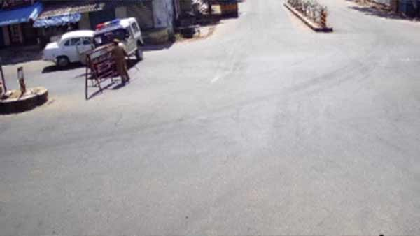 கிருஷ்ணகிரி அருகே சர்ரென வந்த கார்.. போலீஸ் வாகனம் மீது டமால் என மோதல்.. எஸ்எஸ்ஐ காயம்- வீடியோ
