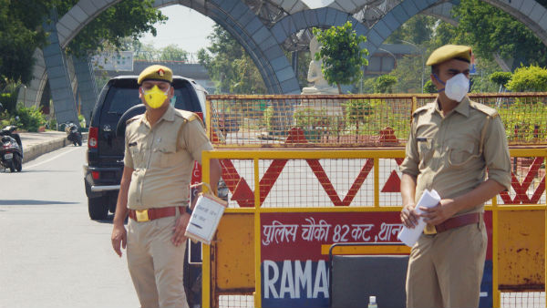 Coronavirus Lockdown: Delhi to UP... Police perform 744 km relay to deliver medicines