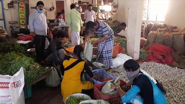In Puducherry, 13 varieties of vegetables are sold for Rs 100