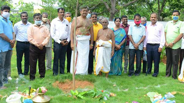 Ganapathi Pooja held for a 100 feet high national flag at the Trichy National College