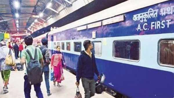 Railways approves 4 special trains from June 1 in tamil nadu