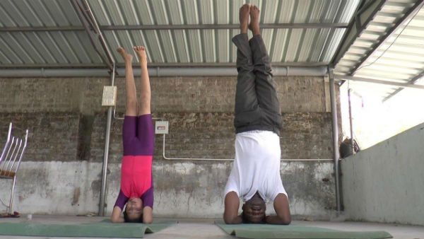 A school student in Puducherry has raised awareness of corona through yoga