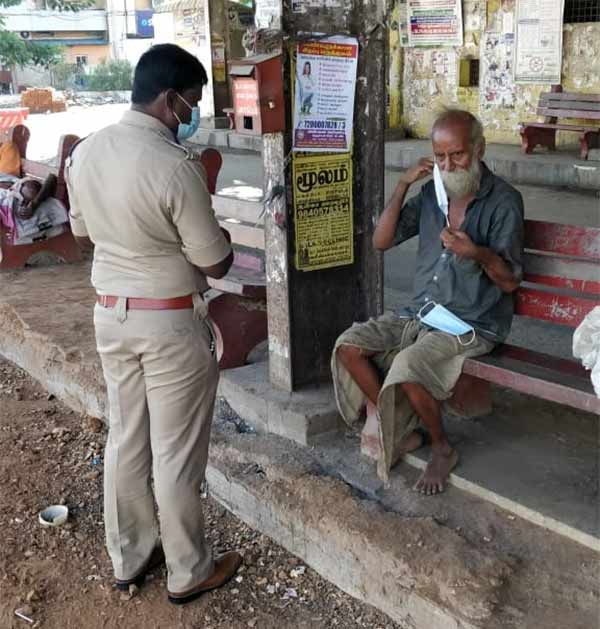 Chennai Parangi Malai Deputy Commissioner Prabhakar helps poor people