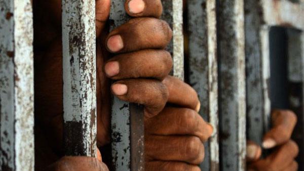 சாத்தான்குளம் மரணம்.. 1 மணி நேரம் கேள்வி கேட்ட நீதிபதி.. 3 காவலர்களுக்கு ஜூலை 16 வரை நீதிமன்ற காவல்!