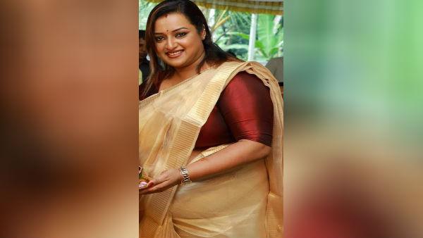 ஸ்வப்னாவும்.. 30 கிலோ தங்க கட்டிகளும்.. Kerala554-1594116623