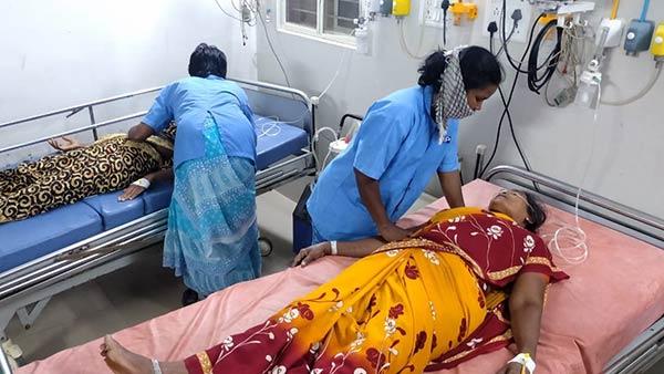 ஆந்திராவில் ஹட்சன் பால் தொழிற்சாலையில் அம்மோனியா வாயு கசிவு- 14 பேர் மயக்கம்- 3 பேர் கவலைக்கிடம்