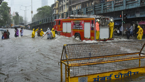 Mumbai gets highest rainfall: moderate to heavy rainfall during next 3-4 hours IMD predicted