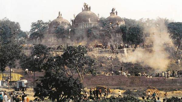 மொத்தம் 2000 பக்க தீர்ப்பு.. பாபர் மசூதி இடிப்பு வழக்கு தீர்ப்பின் முக்கிய அம்சங்கள் இதுதான்!