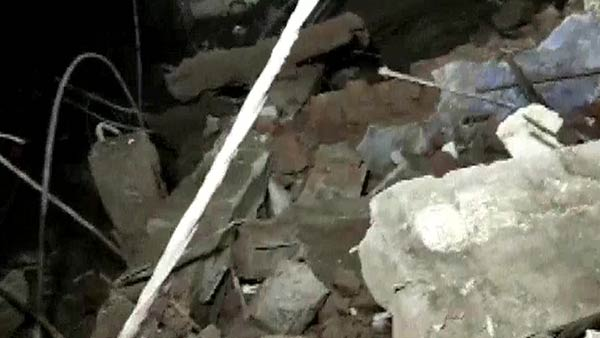 5 dead as the 3 storey building collapses in Maharastra