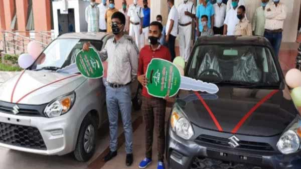 Jharkhand gifts cars to state toppers of Class 10, 12