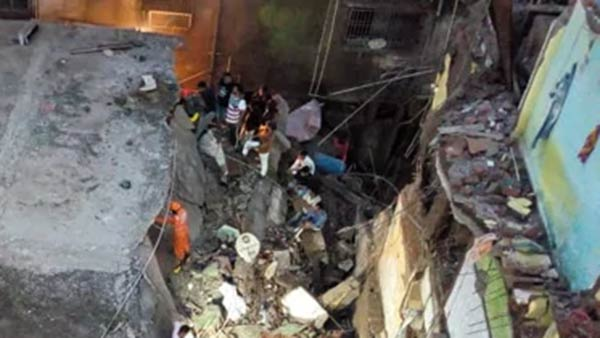 20 found death in Maharastra Building collapsed incident