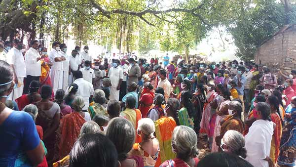 Dmk District Secretaries Conducted Grama sabha meeting in the shade of tree