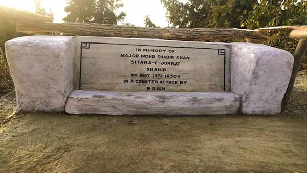 Indian army restores the grave of a Pakistan officer who was killed in 1972