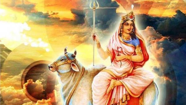 நவராத்திரி 2020: உமா மகேஸ்வரியை முதல் நாளில் வழிபட்டால் செல்வம் பெருகும்