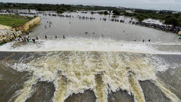 1000 cubic feet of water opening from Chembarambakkam Lake - lake water level is 22 feet