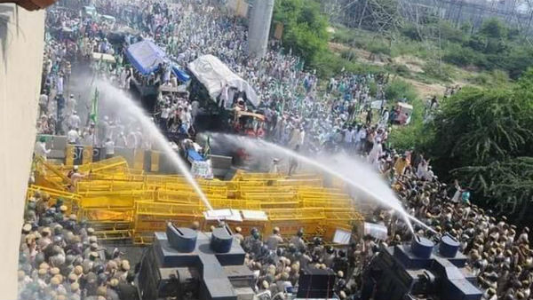 Farmers rally halted in Delhi entrance