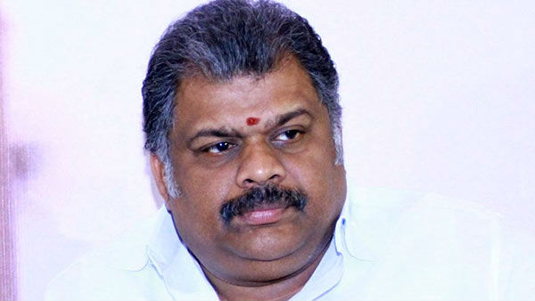 GK Vasan hoists party flag at the TMC office on the eve of the 7th anniversary