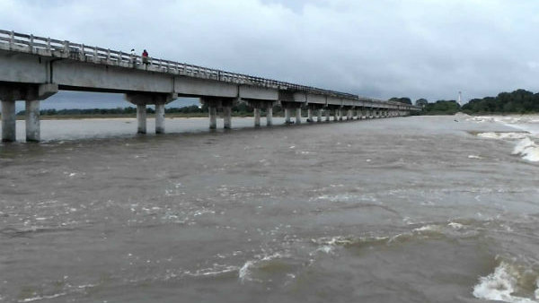 Flood in Palaru River 10,000 cubic feet of water - warning to coastal people