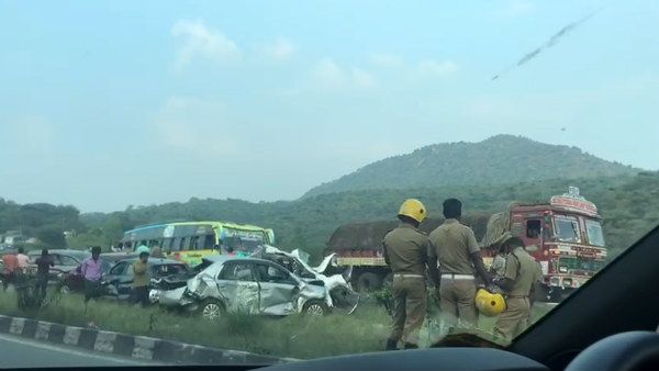 Terrible accident in Dharmapuri - Four killed when 15 vehicles collided with each other