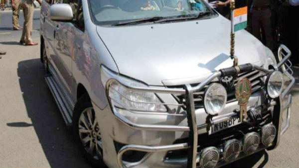Attack on Chief Minister Edappadi Palanisamys replacement vehicle while going to Trichy election campaign