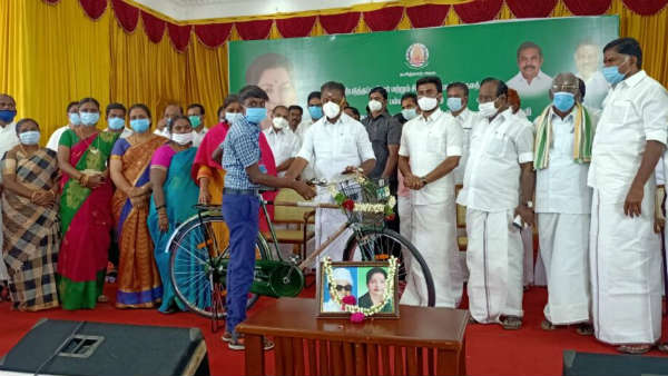 O Panneerselvam provided welfare assistance of Rs 4.51 crore to 10,954 beneficiaries in Theni