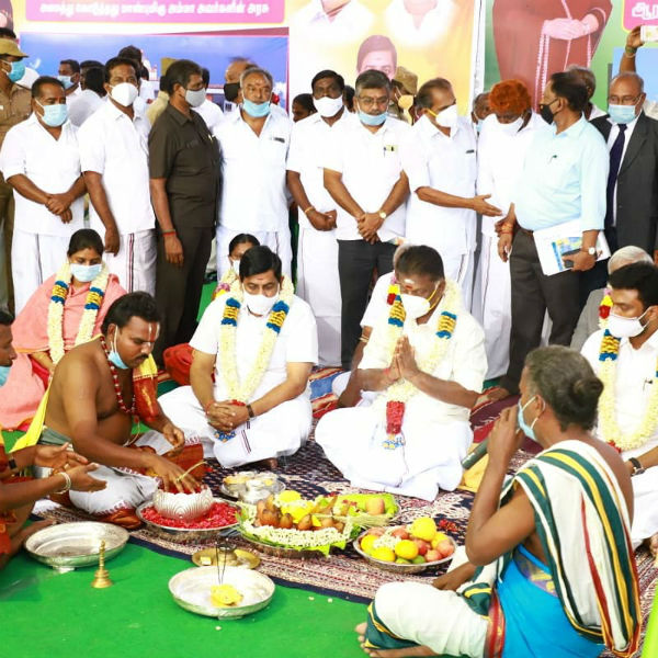 Deputy Chief Minister O Panneerselvam present on the occasion of Theni Government Veterinary College