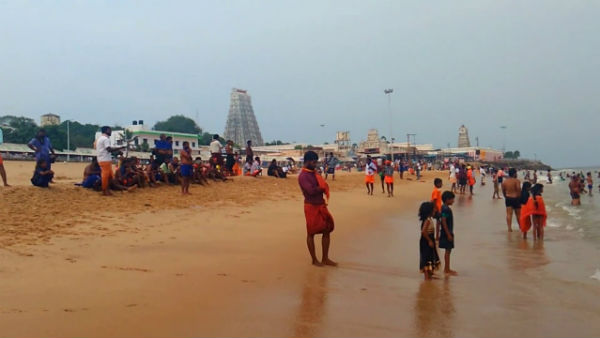 New year eve 2021 : Devotees are not allowed to bathe in the Thiruchendur sea
