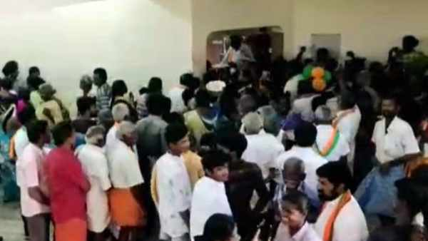 BJP hold meeting Without Coronavirus precautions in Dindigul