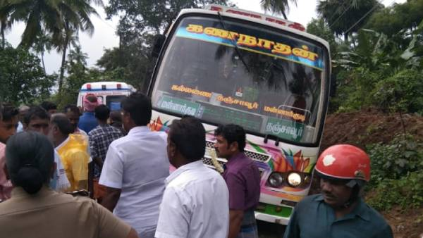 five killed when a private bus struck a power line in thanjavur
