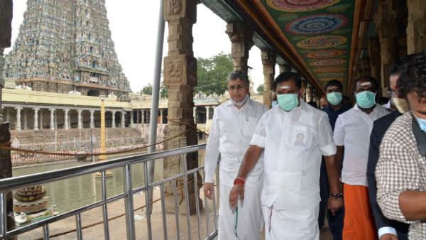 Chief Minister Edappadi Palanisamy visited Meenakshi Amman Temple in Madurai