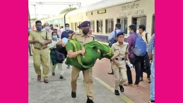 RPF officers timely intervention saves woman in Kerala, viral video
