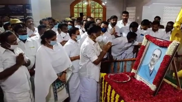 Pennycuick 180 birthday elebrates in Cumbum valley OPS tributes
